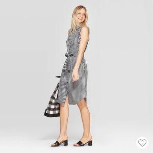 Black/White Gingham Sleeveless Button-Up Dress